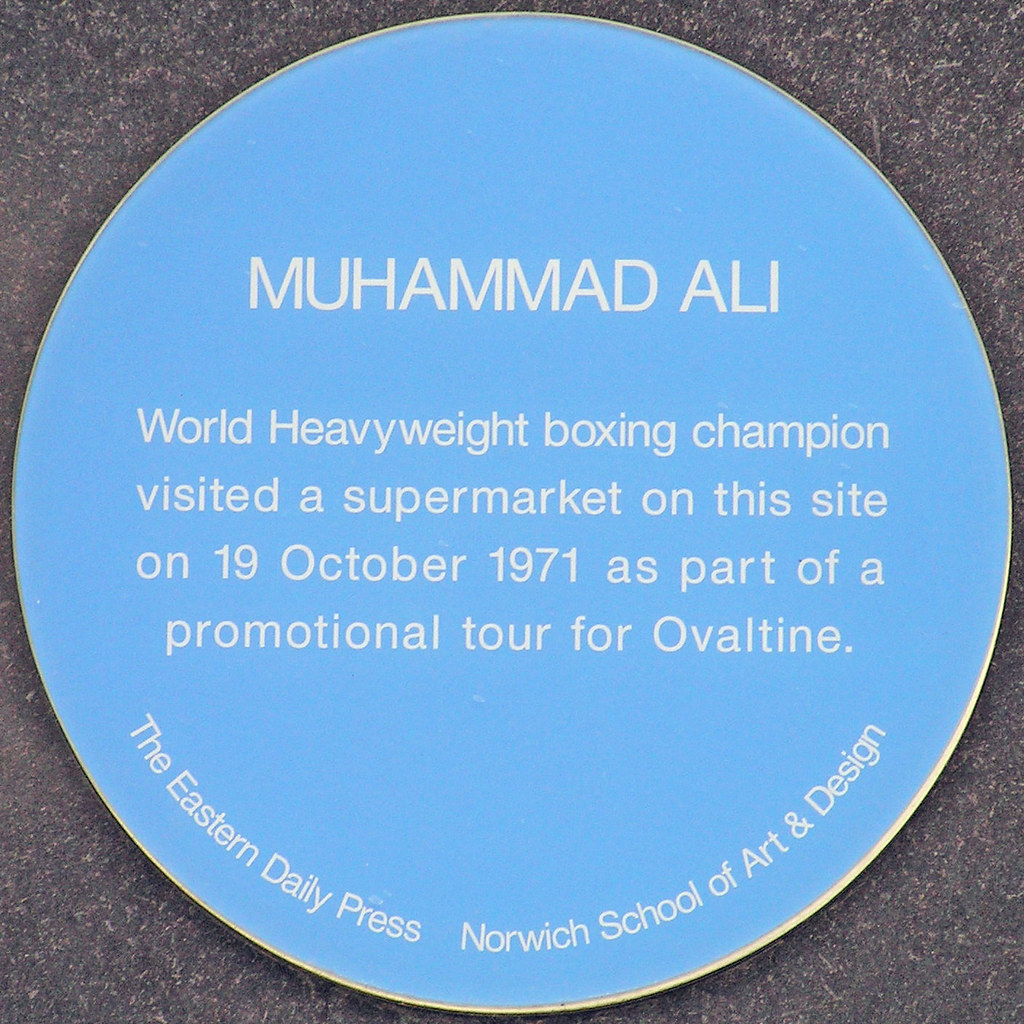 Photo of Muhammad Ali blue plaque