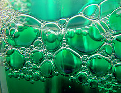 Bubbles (adamantine) Tags: macro green mint bubbles foam bubble minty liquid bulles mouthwash bubbly rinse burbujas bolle bellen bolhas luftblasen colluttorio 2on2 enjuague mintflavored mundwasser collutoire mondspoeling