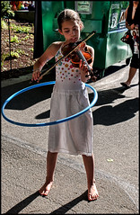 Playing the Fiddle and a Hula Hoop at the same time...it ain't easy (shadowplay) Tags: seattle barefoot fiddle hulahoop seattlecenter folklifefestival