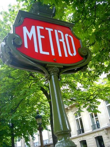 Métro Sign