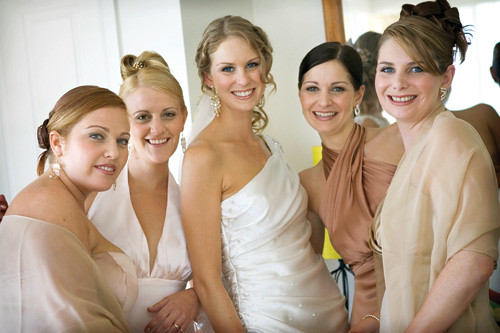 short wedding hair styles. Wedding Hair : Stylish Bride and Bridesmaids,