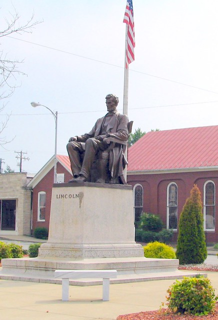 Lincoln Statue, Town Square, Hodgenville, Ky