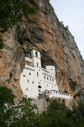 ostrog monastery how to get there
