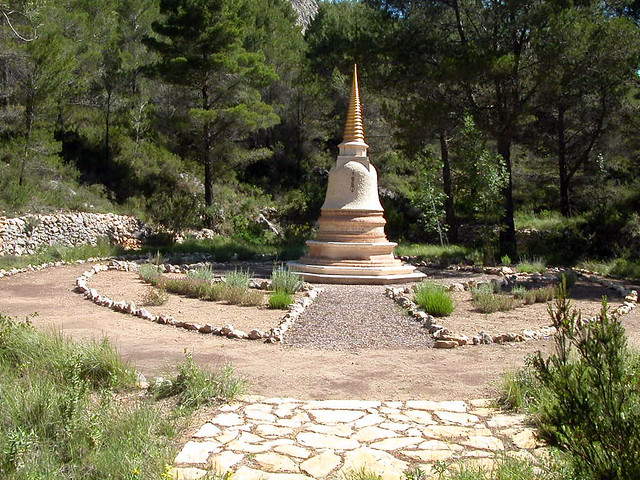 Dhardo Rimpoche stupa 2