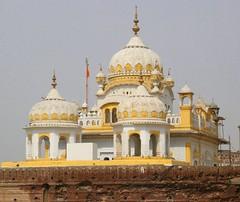 Gurdwara Darbar Saheb Lahore, Back veiw (ZAK!) Tags: pakistan history architecture religion dome sikhs gurdwara punjab zak lahore sikhism minarets saheb darbar gettyimagespakistanq12012
