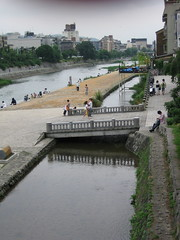 Kamo River near Pontocho (choirboi) Tags: japan pontocho kyto japanstreetscenes