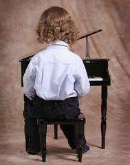 budding pianist