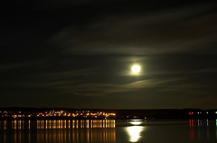 Full Moon over The River Tay - Dundee (Magdalen Green Photography) Tags: longexposure red orange moon reflection green nature d50 river ilovenature lights scotland cool dundee scottish fullmoon tay iain tayside railbridge picturesofdundee dundeephotography imagesofdundee dundeestockphotography printsofdundee