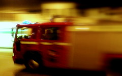 Fire engine (FlickrDelusions) Tags: cameraphone night picasa firetruck oxford fireengine k800i