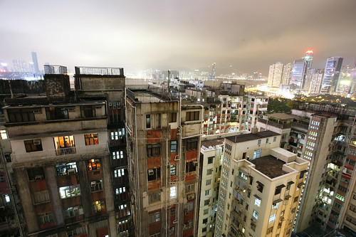 hong kong lightning storm