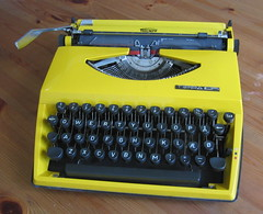 Triumph Tippa S typewriter (Thomas Boesgaard) Tags: typewriter yellow triumph tippas flickrexplored