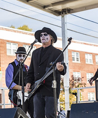 The Graveyard Stompers (will139) Tags: people thegraveyardstompers halloween costume irvingtonhalloweenfestival indianapolisindiana us40 thenationalroad musician bassplayer guitarplayer