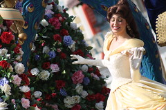 Belle (mediumhero6) Tags: face orlando mine florida character parks disney parade belle wdw waltdisneyworld mk magickingdom beautyandthebeast mainstreetusa batb fof disneyparks facecharacter festivaloffantasy