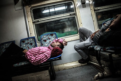 TRA SERBIA E UNGHERIA: Racconti di un viaggio (Stefano Sbrulli) Tags: people canon media war europe hungary refugees serbia photojournalism right human emergency humanrights crisis journalism unhcr ong onu reportage migrant profughi 2015 rifugiati immersivereportage