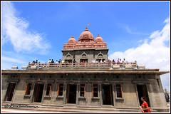 5539 - Vivekananda Memorial, Kanyakumari (chandrasekaran a 34 lakhs views Thanks to all) Tags: sea india saint statue sunrise tamilnadu philosopher kanyakumari thiruvalluvar bayofbengal vivekananda tamils vivekanandarock thirukural tokina1116mm canoneos760d vivikanandamemorial
