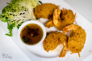 Crispy coconut shrimp with Thai dipping sauce