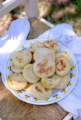Pain marocain  la semoule (batbout) (Un dejeuner de soleil) Tags: food bread recipe pain semolina recette foodphotography marrocan batbout undejeunerdesoleil