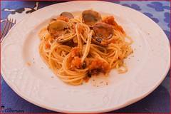 15. Servimos en el plato y espolvoreamos con oregano (LosComensales.es) Tags: pasta ajo almejas spagueti