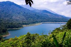 IMGP2501 (vivosi8) Tags: bali lake indonesia island pentax ile k5 dieux indonsie gobleg danaubuyan danautamblingan gobleghill