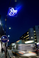 Vitesse (Fontenay-sous-Bois - Officiel) Tags: fontenay fontenaysousbois regionparisienne valdemarne iledefrance 94 94120 bus noel nuit night lumière light