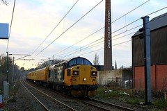 Fading Light at Mistley (Chris Baines) Tags: 37025 mistley network rail test train essex consist 96606 brake force coach 977974 track inspection unit no4 72639 plain line pattern rec72614 radio survey 37057