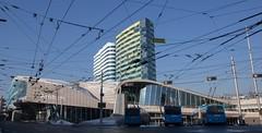 Stationsplein Arnhem met trolleybovenleiding (Hans Westerink) Tags: arnhem gelderland nederland nl trackless trolley trolleybus hanswesterink stationsplein netherlands canon stitched panorama luchtwissel