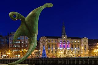 Ayuntamiento de Bilbao desde Uribitarte