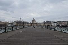 Pont des Art @ Paris (*_*) Tags: paris france europe city winter 2017 january pontdesarts bridge empty police