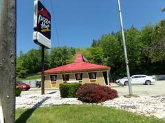 Pizza Hut #23983 Irwin, PA (COOLCAT433) Tags: 30 pizza pa hut rt irwin 9253 23983