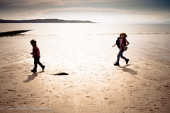 Running along Strath Beach, Gairloch. West Highlands, Scotland. (broadswordcallingdannyboy) Tags: family holiday beach kids canon children fun scotland highlands child play scottish siblings loch wilderness playtime canoneos torridon canonlens scottishbeach kidsinaction scottishsummer scottishloch northwesthighlands childrenandnature leonreilly eos7d lightroom4 leonreillyphotography