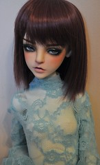 Ingrid (sam darko) Tags: leaves emily doll bjd dl dz dollzone dollleaves