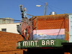 Sheridan, WY Mint Bar neon sign (army.arch) Tags: sheridan wyoming wy downtown historic historicdistrict historicpreservation nrhp nationalregister nationalregisterofhistoricplaces mint bar neon sign cowboy horse