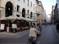 Milan The Tour Expert (318) (TheTourExpert) Tags: city italy milan cathedrals piazzadellascala capitalcities europeancities