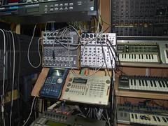 LP158648 (LoxPix2) Tags: boss music studio guitar fender synth roland korg yamaha emu gibson akai novation alesis kawai maudio behringer kurzweil teisco ensoniq tapco rogerlinn loxpix