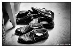 Dad's Old Shoes (Heinz9577961) Tags: leicam2 summilux50mmf14le blackchromeedition trix200 selfdevelop hc110b monochrome blackandwhite bw blackdiamond oldshoes