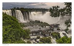 camino a la garganta del diablo (héctoR condE) Tags: 2016 argentina brasil cataratas diciembre rio iguazu agua viajes viaje