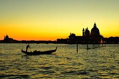 (..........) (luporosso) Tags: tramonto sunset venezia venice italia italy laguna gondola paesaggio paesaggi landscape landscapes controluce contraluz silhouette abigfave