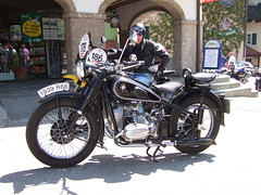 BMW R66 - 1939 (John Steam) Tags: motorcycle motorbike motorrad oldtimer oldtimertreffen vintage meeting gleichmaessigkeitsfahrt gleichmäsigkeitsfahrt bergpreis 14 trophy nussdorf nusdorf attersee oberösterreich austria 2011 bmw r66 1939