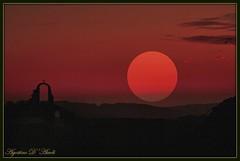 Un tramonto... quasi vero - (2° elaborazione) Gennaio-2017 (agostinodascoli) Tags: art digitalart digitalpainting colore fullcolor nature texture paesaggi tramonto sole photoshop photopainting agostinodascoli nikonclubit