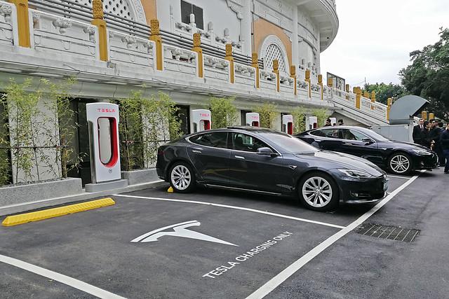 Tesla-10