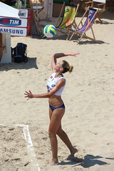 Battuta (zampamp1) Tags: del donna san italia mare volley spiaggia marche sabbia servizio beachvolley tronto pallavolo benedetto battuta campionato