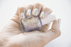 Letra E  Desafio ABC (Marcas)  On a Silver Platter  Essie (coloresdasam) Tags: glitter unhas essie esmalte onasilverplatter