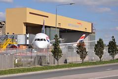 Heathrow: Stand 'TB1A', 'South Pen'. (A380spotter) Tags: london heathrow hangar first 9 ba boeing britishairways 900 no1 lhr numberone baw tba 787 iag egll dreamliner britishairwaysengineering envoyavenue technicalblocka maintenancebaseoffices internationalconsolidatedairlinesgroupsa southpen dreamliner™ gzbka standtb1a zb362