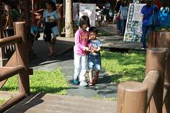 IMG_8700.jpg (小賴賴的相簿) Tags: family kids canon happy 50mm stm 台中 小孩 親子 陽光 chrild 福容飯店 5d2 老樹根 麗寶樂園 anlong77