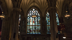 St. Giles Cathedral in Edinburgh - HWW! (lunaryuna) Tags: scotland edinburgh stgilescathedral church cathedral churchinterior sacralarchitecture arches ribvault light stainedglasswindows lightmood lampschandeliers beautyofdesign festiveseason advent thirdofadvent lunaryuna
