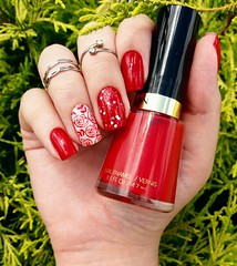 Revlon Red 680 - Revlon (Fer Valquiria) Tags: red revlonred revlon verona glitter carimbo unhascarimbadas bornprettystore unhas esmaltes nails nailart nailpolish polish polishnails