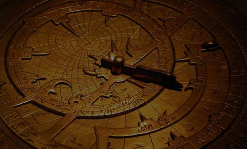 "Astrolabios, ubicantes de estrellas guía • <a style=""font-size:0.8em;"" href=""http://www.flickr.com/photos/30735181@N00/32609971395/"" target=""_blank"">View on Flickr</a>"