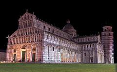 Pisa by night (Fil.ippo) Tags: night nightscape pisa duomo battistero notte filippo leaningtowerofpisa notturno torrependente sigma1020 pisacathedral pisabaptistry d7000 filippobianchi