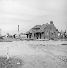 [Texas and New Orleans, Southern Pacific Passenger Station, Waxahachie, Texas] (SMU Central University Libraries) Tags: sp tno railroads railroadstations espee depots