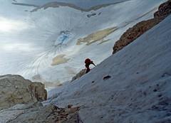 Alpinismo sul Gran Sasso (giorgiorodano46) Tags: claudio alpinismo gransasso alpinista cornogrande fotoanalogica lagosofia claudiodevincenti laghettoepiglaciale pendionevoso vettacentraledelcornogrande viagualerzi luglio1981